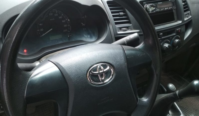 Toyota Hilux 2014 completo